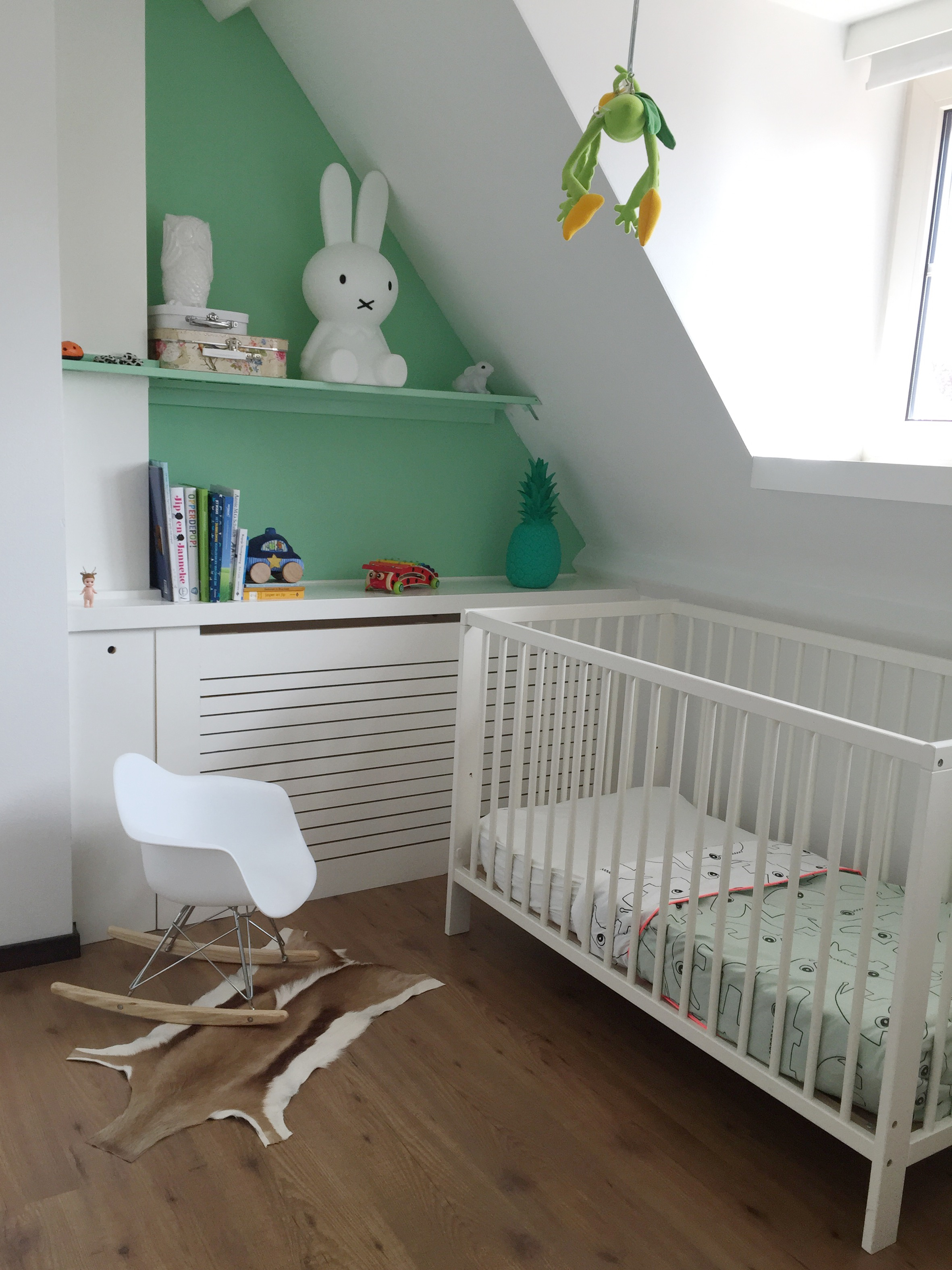 done by deer kinderkamer zwart wit mintgroen done by deer