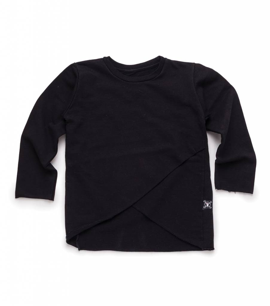 nununu-nununu-light-envelope-pullover-black-1